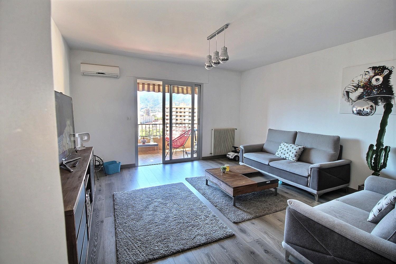 Ajaccio appartement Pietralba T3 vue mer Salon