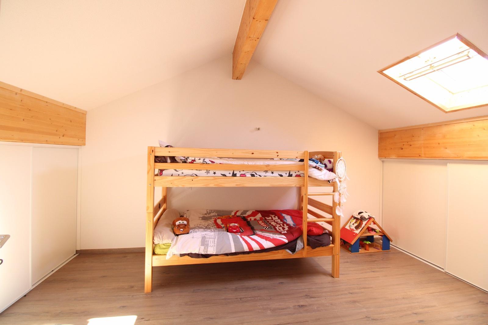 T3 duplex Bastelicaccia RIve sud Investisssments - chambre 1